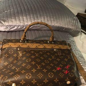 New Louis Vuitton shoulder bag